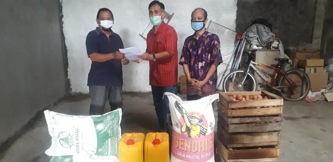Penyaluran Paket Bantuan Sosial Bahan Baku Produksi  Dari Dinas Koperasi UKM Provinsi Jawa Tengah