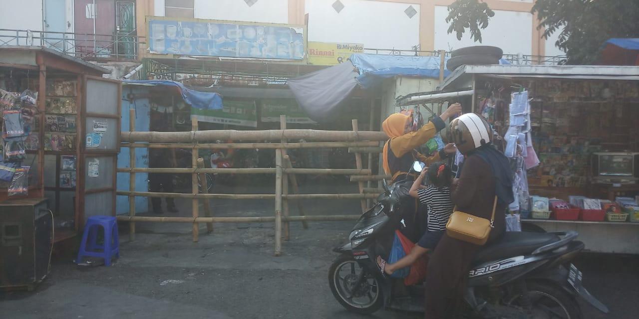 Perbaikan Pagar Pasar Bintoro Dalam Persiapan Satu Pintu Masuk