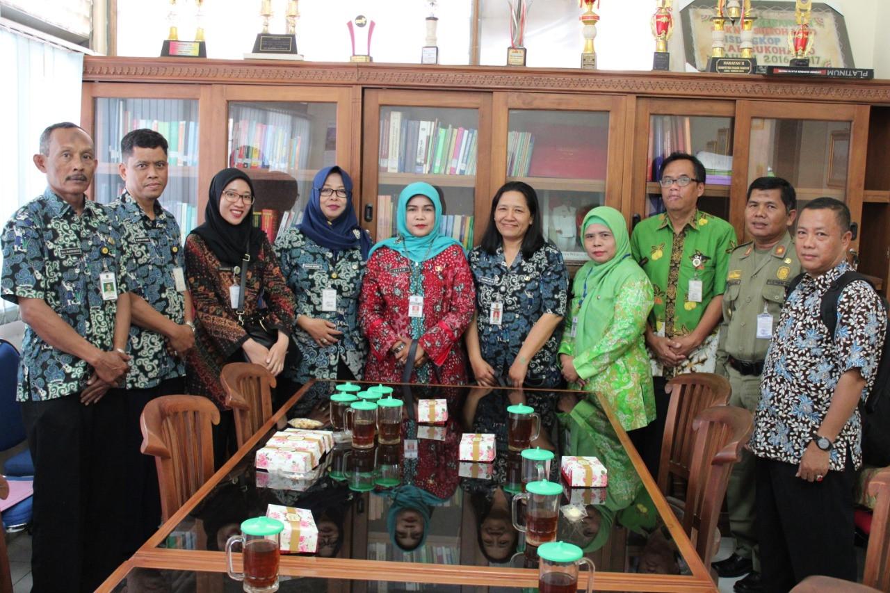 Studi Banding Dindagkop Ukm Ke Dinas Perdagangan, Koperasi, dan UKM Kabupaten Sukoharjo