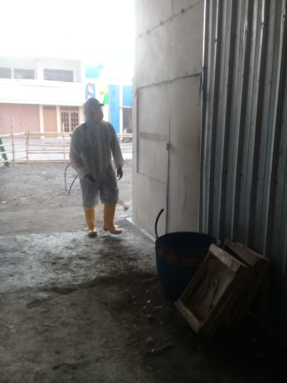 Penyemprotan Rutin Disenfektan Di Pasar Sriwulan Jumat 13 November 2020
