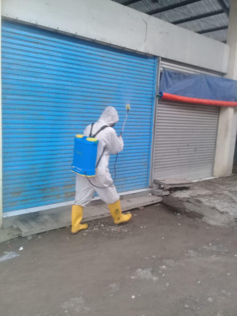 Penyemprotan Disinfektan Di Pasar Sriwulan  Hari Ini Rabu 23 Desember 2020